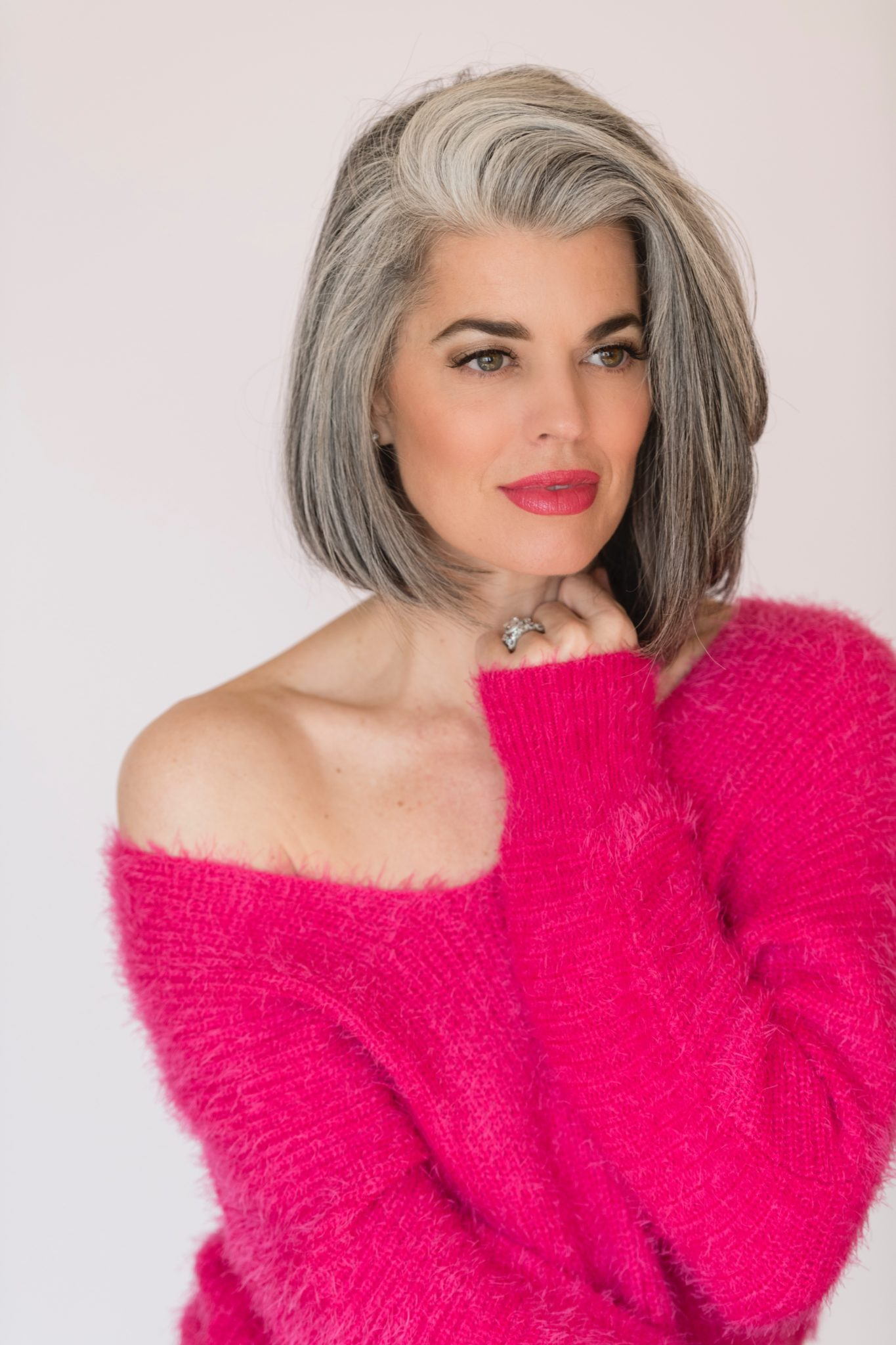 79324ee5b68e Why Gray Hair is Changing The Beauty Industry - Nikol Johnson